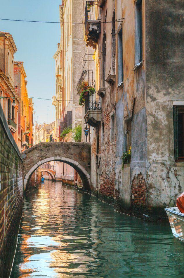Canales secundarios de #Venecia www.venecia.travel/ #Italia